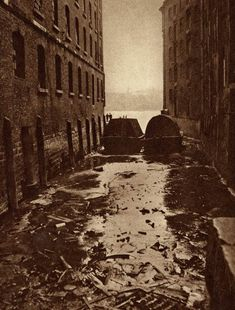 Old Puddle Dock Blackfriars  produced by The Fleetway House in the nineteen-twenties
