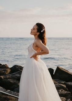 Waikiki Bridal Session — Haili Wise Photography Whimsical Wedding Inspiration, Elopement Inspiration, Maui Weddings, Hawaii Wedding, Bridal Session, Bridal Hair And Makeup, Groom Style, Wedding Photos, Wedding Venues
