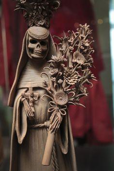 Day of the Dead: master pottery from Michoacan - #DayofTheDead #SantaMuerte #CultOfSantaMuerte #LaSantaMuerte #LaSantísimaMuerte #DoñaSebastiana #TheSkinnyGirl #SugarSkull #DiaDeLosMuertos #Dead #Death #Skeleton #Skull #LaCalaveraCatrina #Calavera #Catrina