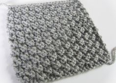 Easy knitting stitch: the waffle stitch knitting pattern If you're like me, you might like to make small samples to try new knitting stitches…. Ideal for a warm scarf or for making a blanket! Knitting Stiches, Arm Knitting, Knitting Patterns, Crochet Patterns, Knitting Ideas, Waffle Stitch, How To Purl Knit, Beautiful Crochet, Diy Crochet