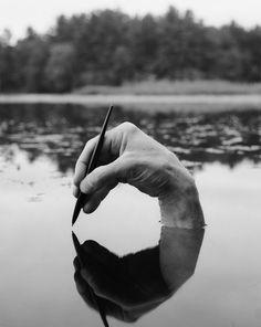 fotos-autorretratos-surreales-arno-rafael-minkkinen (16)