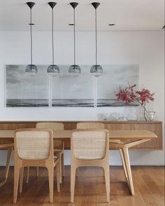 O design contemporâneo de Jader Almeida na sala de jantar. | Apartamento DL | Rio de Janeiro - RJ Foto: Denilson Machado (@denilsonmachadomca)