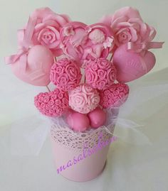 Sabun buketi-Pal of hearts Valentines For Mom, Valentine Gifts, Mothers Day Baskets, Roses Only, Soap Gifts, Valentine Bouquet, Homemade Bath Bombs, Soap Carving, Soap Display