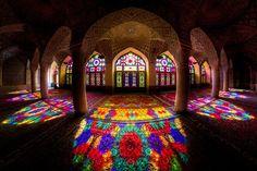 Twitter / Regular_size: (前ツイートの続き)イラン南西部の都市シーラーズのマスジェデ ...