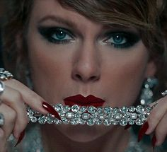 Look what you made me do Long Live Taylor Swift, Taylor Swift Videos, Taylor Swift Hot, Taylor Swift Pictures, Sugar Baby, Rich Girls, Shake It Off, American Singers, Taylors