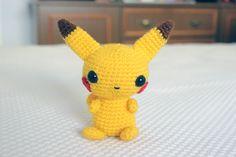 Pikachu Amigurumi - Patrón Gratis en Español aquí: www. Crochet Cap, Diy Crochet, Crochet Dolls, Pikachu Crochet, Crochet Amigurumi Free Patterns, Pokemon Fan, Diy Stuffed Animals, Amigurumi Doll, Handmade Toys