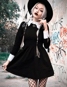 Hello ninjas! Halloween is getting closer now, so I've made this post compiling a nice set of 33 alternative looks you can check out! They are mostly nu-goth/wicca themed since that style fits perfectly with Halloween. Check out the model's Instagram account since they have plenty more looks for you to see! Let's get started! 1. Nu-goth look by kinashen: long black dress 2. Black nu-goth outfit by kinashen 3. Witchy outfit by roosthestrange 4. Nu-Goth look by pennold 5. Nu-go...