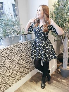 Tanya Burr - love the dress and tights look Classy Outfits For Women, Cute Outfits, Clothes For Women, Autumn Winter Fashion, Spring Fashion, Winter Style, Classy Street Style, Dressed To The Nines, Diva Fashion