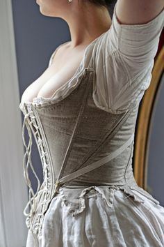 Stay-ing Alive: New Attitudes about Old Clothes: A Pair of Summer Stays, or, Why I Wear a Neck Handkerchief. 18th Century Stays, 18th Century Dress, 18th Century Costume, 18th Century Clothing, 18th Century Fashion, 17th Century, Corsets, Old Dresses, Period Outfit