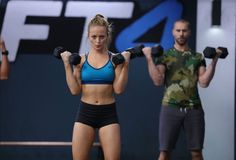 Serious about losing fat but you don't know where to begin? We asked three Beachbody experts to share their top tips. You'll read fitness tips from Beachbody Fat Loss Drinks, Fat Burning Drinks, Full Body Gym Workout, Body Workouts, Belly Fat Diet Plan, Gym Workouts Women, Ways To Burn Fat, Lose Body Fat, Weight Loss Program