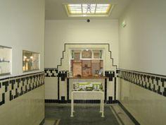 Karakteristieke details in badhuis - Architectuur. Amsterdamse School.