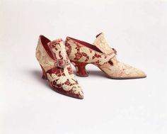 Antique Italian Shoes. I'm sure you can't wear them but man they are pretty.