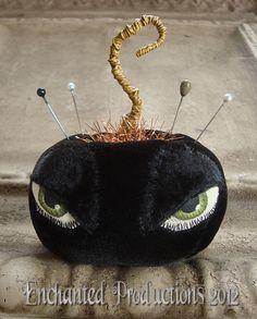 Pfatt Primitive Folk Art Halloween Pumpkin Pincushion by Joyce Stahl Ehag | eBay