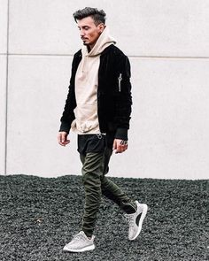 8 Tenacious Tips AND Tricks: Korean Urban Fashion Winter Outfits urban wear streetwear street fashion. Jogger Outfit, Outfit Jeans, Jeans Shoes, Urban Apparel, Mode Streetwear, Streetwear Fashion, Streetwear Clothing, Urban Fashion Women, Mens Fashion