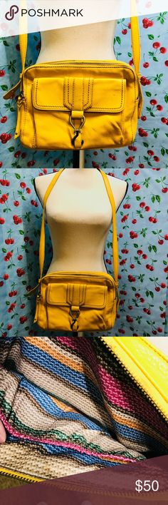 🍂☕️The Sac Yellow Mustard cross Body purse 100 % leather  Lining: 100% percent polyester  Fontana leather Has signs of wear but in superb conditions The Sak Bags Crossbody Bags