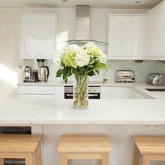 Small White Kitchen Quartz Worktop
