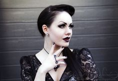 I want to be this pale without makeup >. Dark Beauty, Gothic Beauty, Dark Fashion, Gothic Fashion, Vampire Hair, Pearl Lowe, Corporate Goth, Gothic Metal, Gothic Art