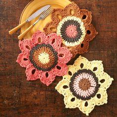 Lily® Sugar 'n Cream® Woodsy Sunflower Crochet Dishcloths