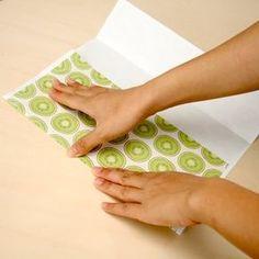 紙袋屋さんに教わった、紙袋の作り方 | DIYで作るオシャレインテリア【金曜大工】 Handmade Crafts, Diy And Crafts, Crafts For Kids, Arts And Crafts, Paper Crafts, Handmade Ideas, Origami Gifts, Origami Paper Art, Craft Work