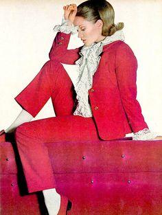 60s-women-fashion-vogue-by-norman parkinson-28 | Trendland