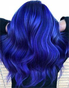 31 Blue Looks to Brighten Your Day - Hair Color - Modern Salon Trendfrisuren Dark Blue Hair, Dyed Hair Blue, Lilac Hair, Dye My Hair, Pastel Hair, Green Hair, Bright Blue Hair, Short Blue Hair, Blue Purple Hair