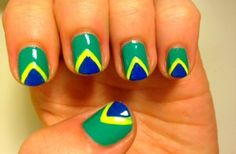 Step-by-step Brazil flag nails - Brazil flag nails - Pepino Nail Art Design Hair And Nails, My Nails, Nail Art Designs 2016, Brazil Flag, Brazil Brazil, Flag Nails, Cosmetic Brush Set, Nail Time, Beautiful Nail Designs