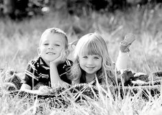 Photo by Lindsey Turner Photography Brother Sister Poses, Brother Sister Pictures, Brother Sister Photography, Sibling Photography, Sister Photos, Children Photography, Photography Ideas, Twin Pictures, Sibling Poses