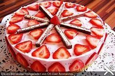 Erdbeer Yogurette Torte. Mmh lecker