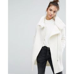 Pull&Bear Faux Fur Lined Zip Front Coat (€96) ❤ liked on Polyvore featuring outerwear, coats, white, white coat, faux fur lined coat, zip coat, tall coats and faux fur lining coat