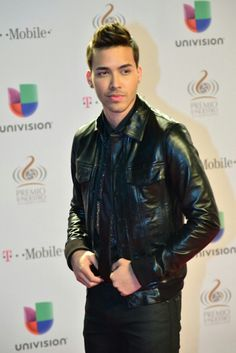 Prince royce Boom Images, My Images, I Fall In Love, Falling In Love, Principe Royce, Leather Men, Leather Jacket, Tight Leather Pants, Enrique Iglesias