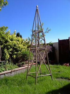 Twig Furniture, Outdoor Art, Climbers, Flower Beds, Trellis, Garden Inspiration, Garden Design, Art Projects, Allotment Ideas