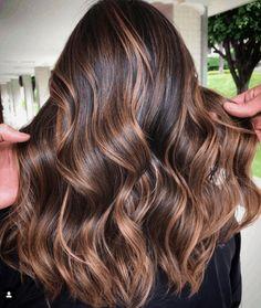 Brown Hair Caramel Balayage, Balayage Auburn, Dark Brunette Balayage, Hair Color Caramel, Brunette Hair, Dark Brown Balayage, How To Bayalage Hair, Balayage Long Hair, Hair Color Balayage