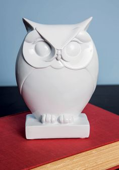 Owl Along the Mantel Figurine. Your mantel has become a shrine to feathered friends of all shapes and sizes, so this petite, white owl statue fits right in! #white #wedding #modcloth