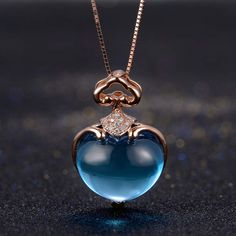 Pink Diamond Jewelry - rare and expensive, how much do they cost? Cute Jewelry, Body Jewelry, Jewelry Necklaces, Heart Jewelry, Jewelry Sets, Jewlery, Jewelry Accessories, Rose Gold Pendant, Diamond Pendant