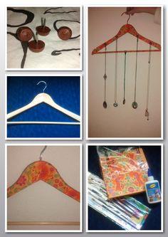 Percha decorada para colgar collares