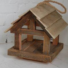Bird House Plans 359162139014026932 - Wooden Bird Table Source by Wood Bird Feeder, Bird Feeder Plans, Bird House Feeder, Bird Feeders, Wooden Bird Houses, Bird Houses Diy, Wood Projects, Woodworking Projects, Bird Tables