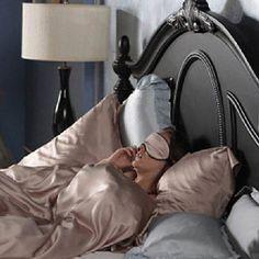 gossip girl, blair waldorf, and bed image Blair Waldorf Aesthetic, Blair Waldorf Style, Gossip Girls, My New Room, My Room, Girl Room, Blair Waldorf Bedroom, Post Holiday Blues, Cosmo Girl