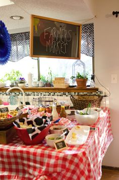 Food for Farm or Cowboy Theme. I just like the sign farmers market ..@Heather Enneking