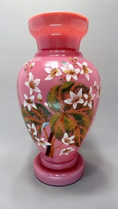 Antigo Vaso Francês Em Opalina Dupla Decorada Com Motivo Floral Pintado À Mão.