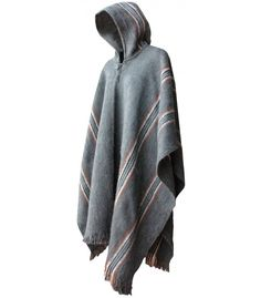 A fine blend of wool, In order to achieve a beautiful traditional poncho. Alpaca and sheep wool.