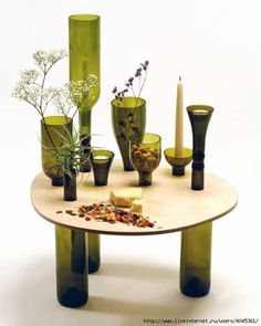 Bottle-made wine table - centerpiece holder maybe? Empty Wine Bottles, Recycled Wine Bottles, Wine Bottle Art, Bottles And Jars, Ways To Recycle, Reuse, Glass Bottle Crafts, Wine Jug Crafts, Glass Craft