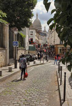Montmartre - Paris---one of my favorite places Beautiful Paris, Paris Love, Paris Travel, France Travel, Vacation Trips, Dream Vacations, Tour Eiffel, Paris City, Paris Paris