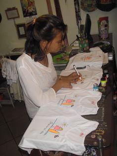 pintura Coat, Fashion, Manualidades, Pintura, Moda, Sewing Coat, Fashion Styles, Peacoats, Fashion Illustrations