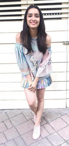 Is Shraddha Kapoor planning to change her team of managers after the debacle of her movies? Bollywood Girls, Bollywood Stars, Bollywood Fashion, Bollywood Images, Bollywood Outfits, Beautiful Bollywood Actress, Most Beautiful Indian Actress, Beautiful Actresses, Indian Celebrities