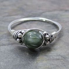 Seraphinite Clinchlore Bali Sterling Silver Wire Wrapped Ring ANY size Wire Jewelry, Beaded Jewelry, Jewelry Rings, Jewlery, Jewelry Ideas, Silver Jewelry, Diy Schmuck, Schmuck Design, Wire Wrapped Rings
