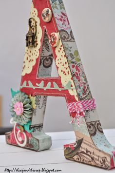 Decorated letter A - Letra A decorada con scrapbooking