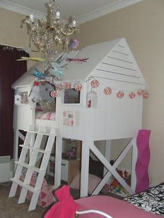 DIY Beach Hut Bed ~ complete instructions so cute . Ana White, Easy Diy Projects, Home Projects, Furniture Plans, Diy Furniture, Casa Kids, House Beds, Bed Plans, Diy Bed