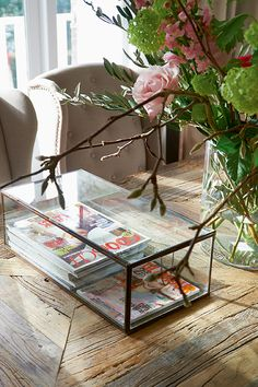 Lovely way to organize your magazines - Rivièra Maison