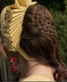 this is pretty awesome- Anne's hair in the Tudors