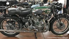 The 1939 Vincent Rapide Series A was one of the fastest bikes of its day. Eye-popping pictures, specs, history & more. Antique Motorcycles, British Motorcycles, Triumph Motorcycles, Vintage Bikes, Vintage Cameras, Vincent Black Shadow, Vincent Motorcycle, Classic Bikes, Classic Motorcycle